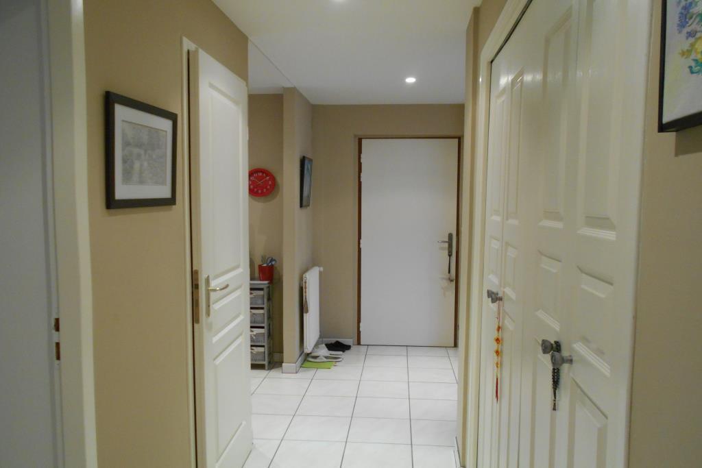 vente cabinet immobilier echinard 10331. Black Bedroom Furniture Sets. Home Design Ideas